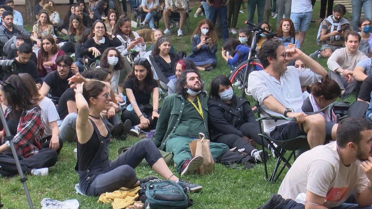 Maçka Parkı nda sosyal mesafeyi unutturan konser #4