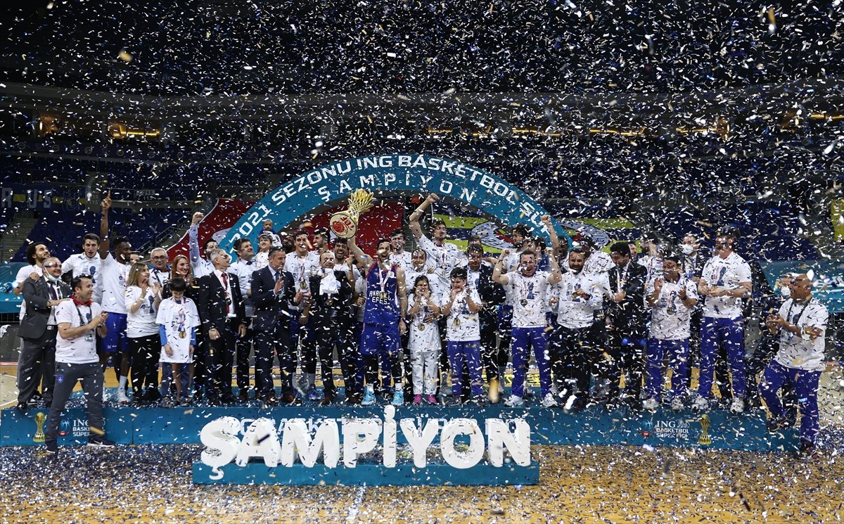 Anadolu Efes şampiyon oldu  #11