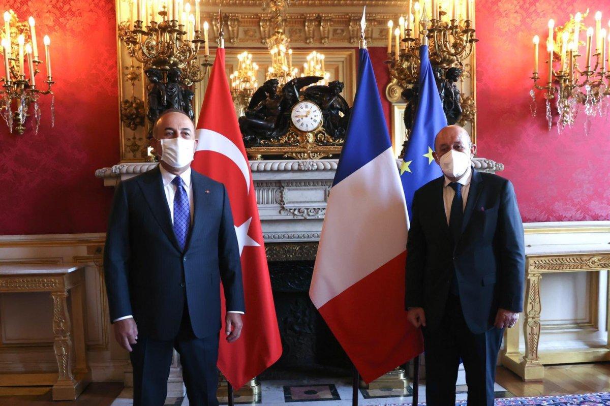 Mevlüt Çavuşoğlu, Fransız mevkidaşı Le Drian ile görüştü #1