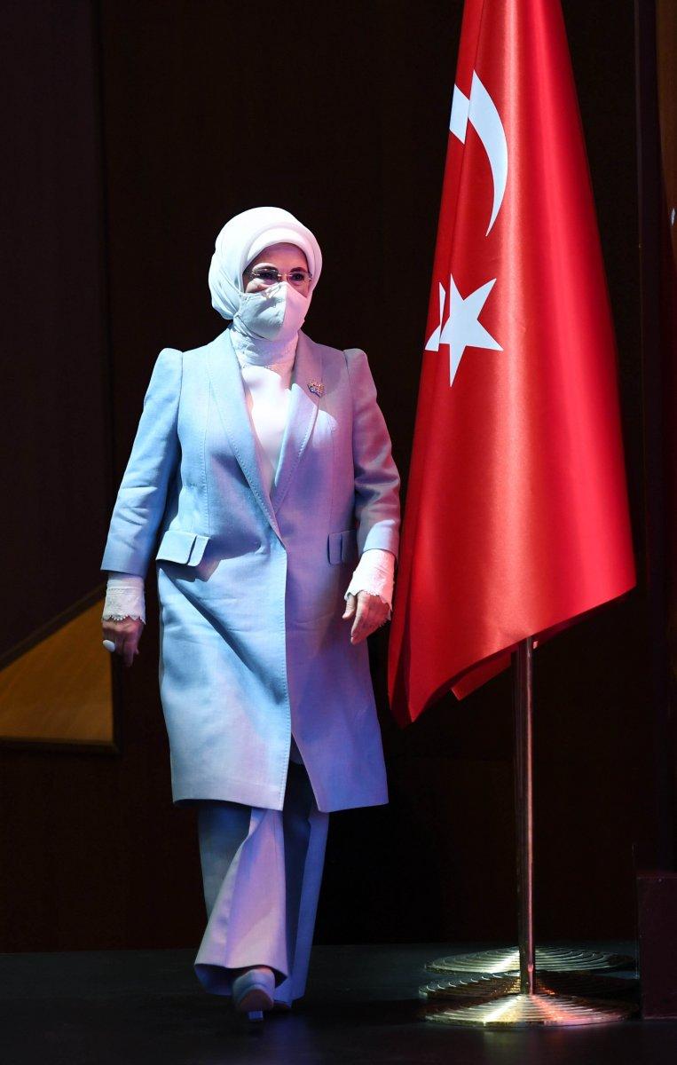 Emine Erdoğan: Sanayi devrimi, insan maneviyatına zarar verdi  #3