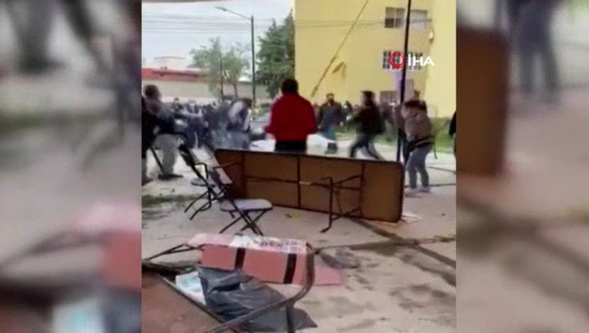 Meksika'da silahlı saldırıların gölgesinde seçim: Kabinlere kesik insan başı fırlatıldı #2