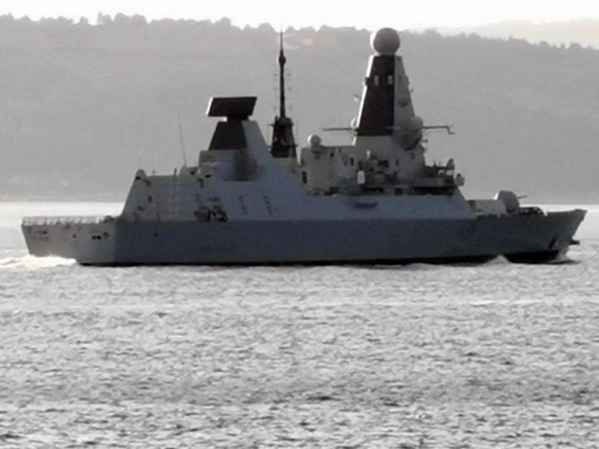 İngiliz savaş gemisi, Çanakkale Boğazı ndan geçti #1