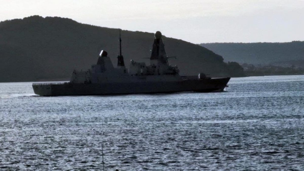 İngiliz savaş gemisi, Çanakkale Boğazı ndan geçti #2