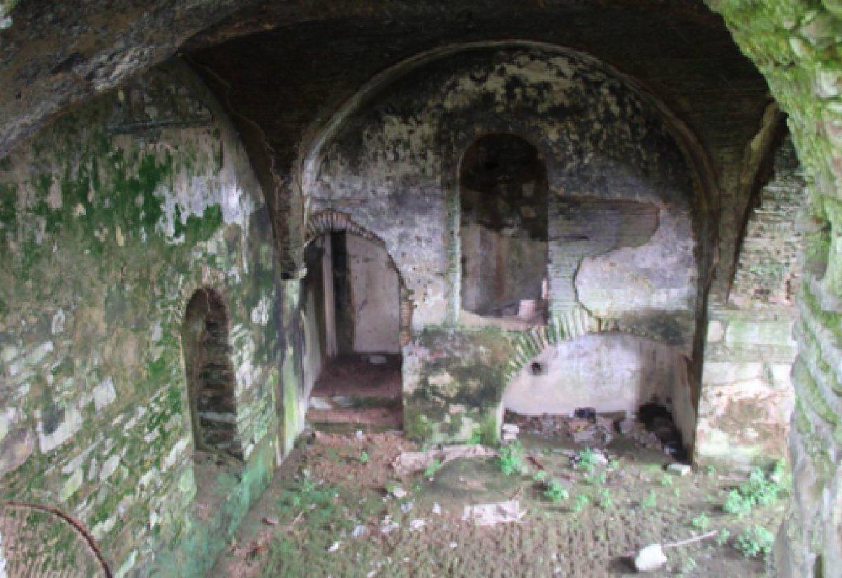 410 yıllık Armaş Manastırı viraneye döndü #3