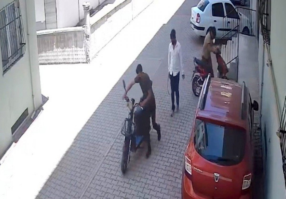 Osmaniye de gündüz vakti bisiklet hırsızlığı #2