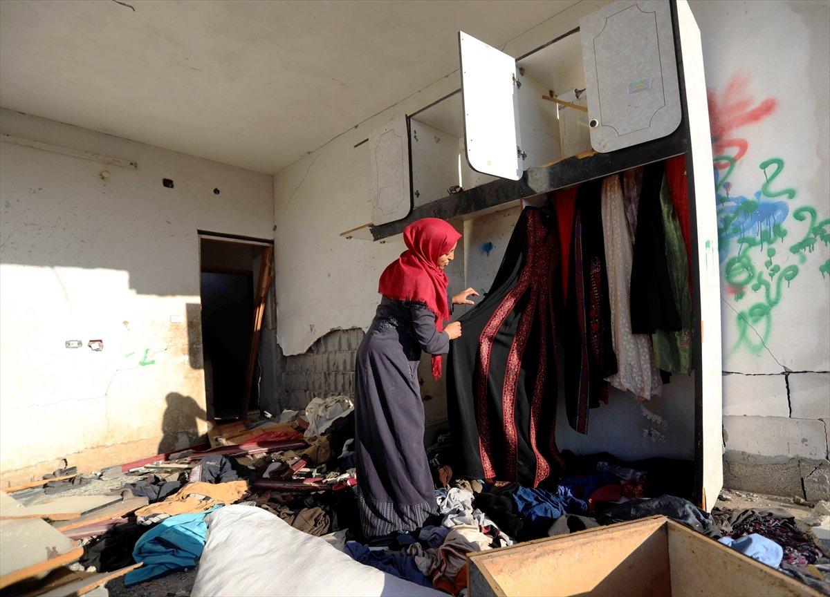 Filistinliler harabeye dönen evlerine geri döndü #2