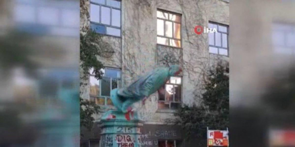 Kanada'da Egerton Ryeson heykeli protestocular tarafından yıkıldı  #3