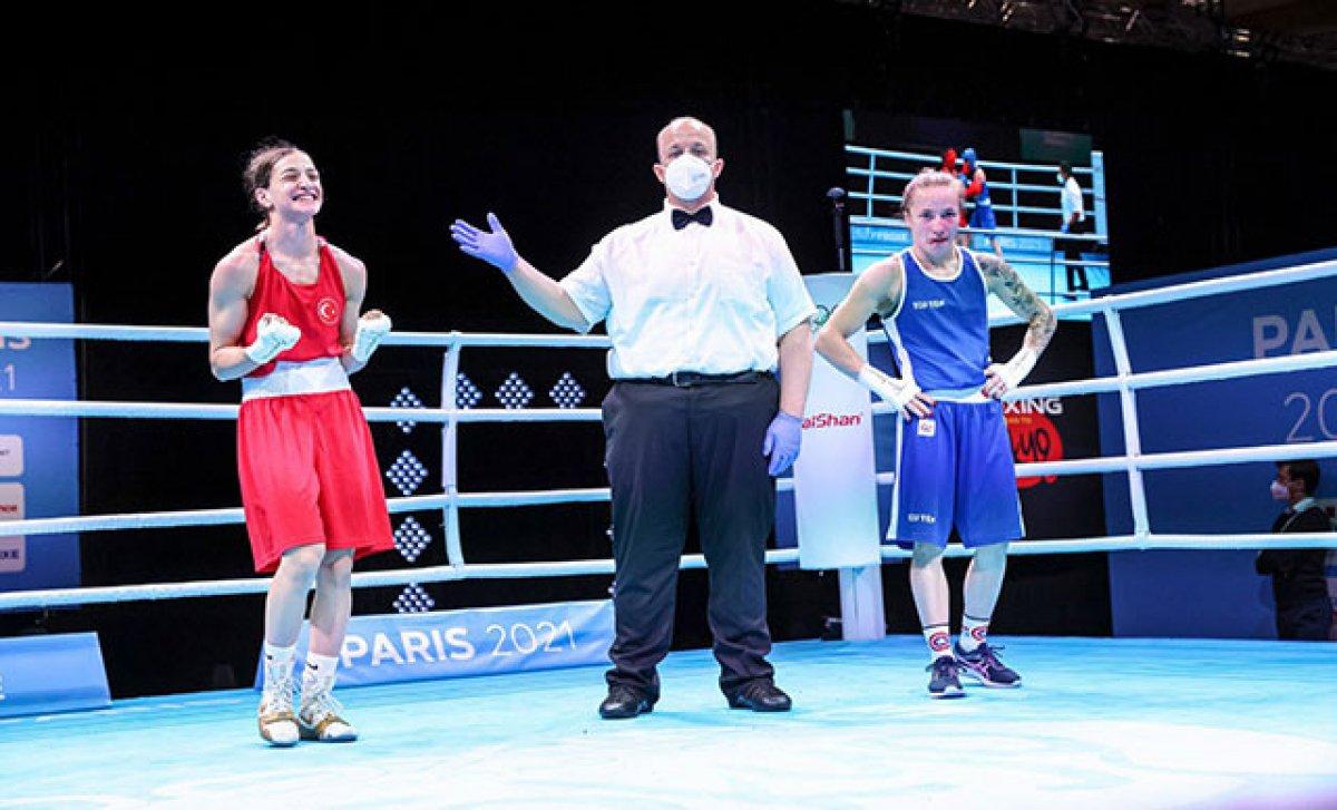 Buse Naz Çakıroğlu, 51 kiloda altın madalya kazandı #1