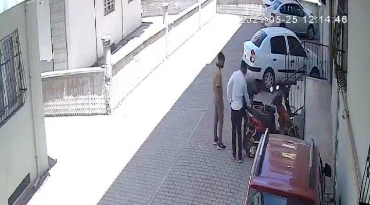 Osmaniye de gündüz vakti bisiklet hırsızlığı #1