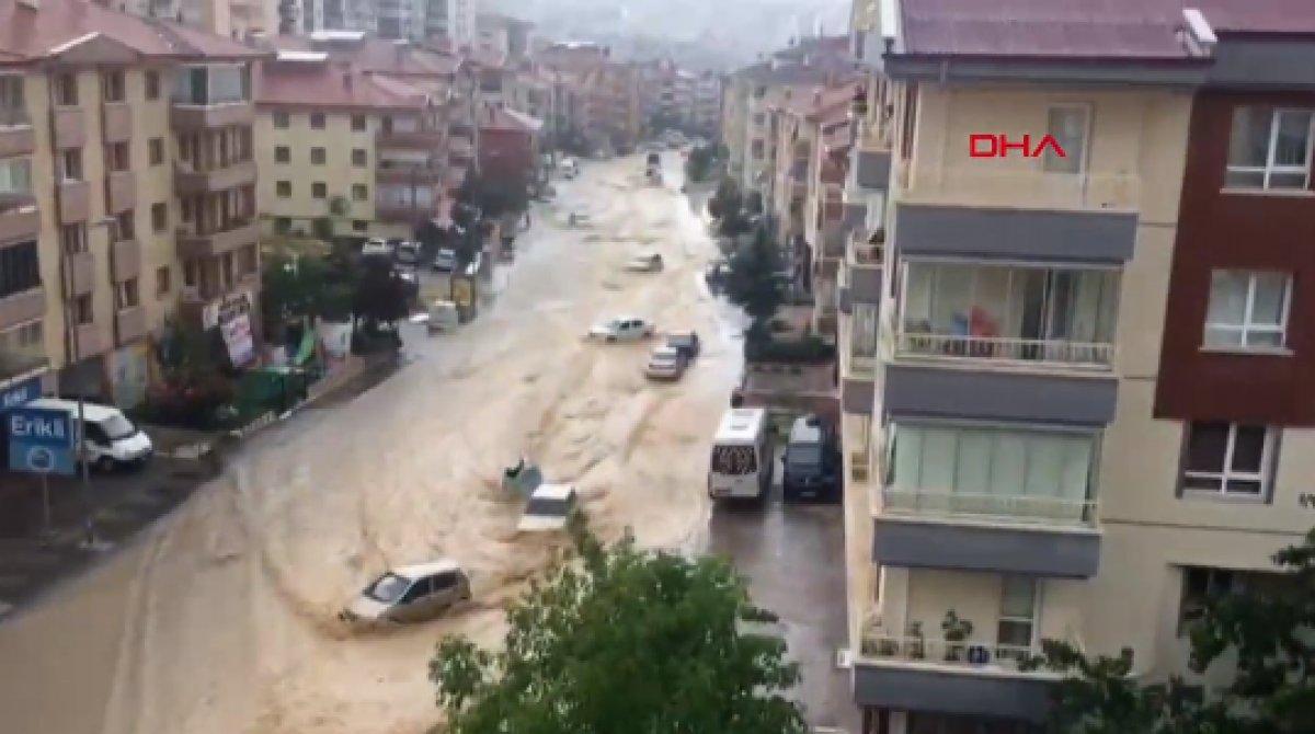 Ankara da caddeleri sel bastı #3