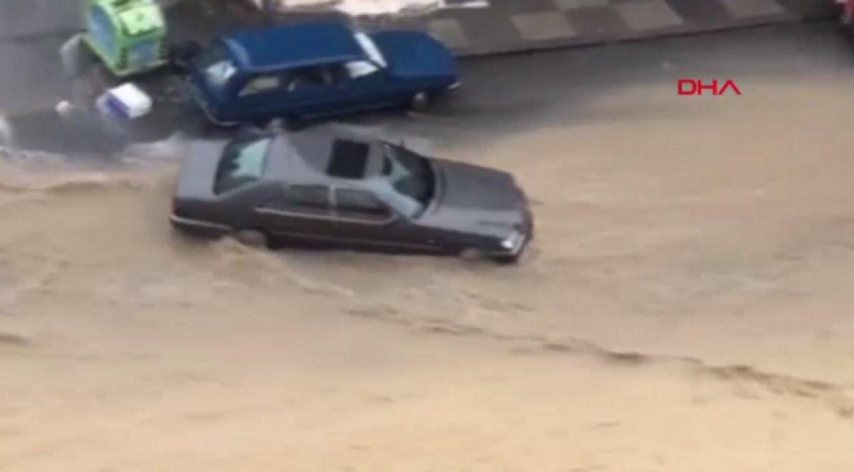 Ankara da caddeleri sel bastı #6
