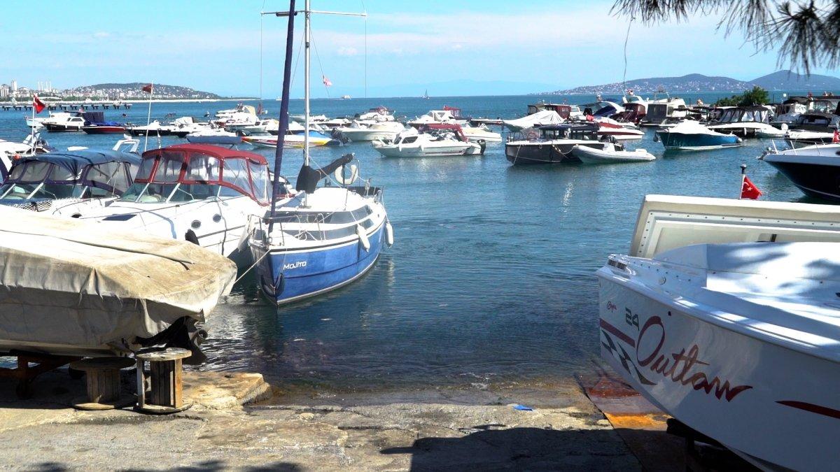 Caddebostan Sahili nin kıyıları müsilajdan temizlendi #4