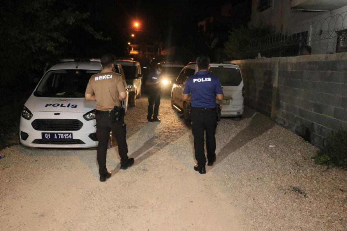 Adana da silahlı kavgaya giderken polise yakalandılar #4