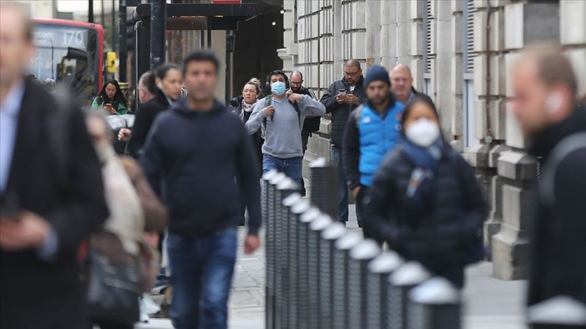 İngiltere de koronavirüs vakaları artıyor #1