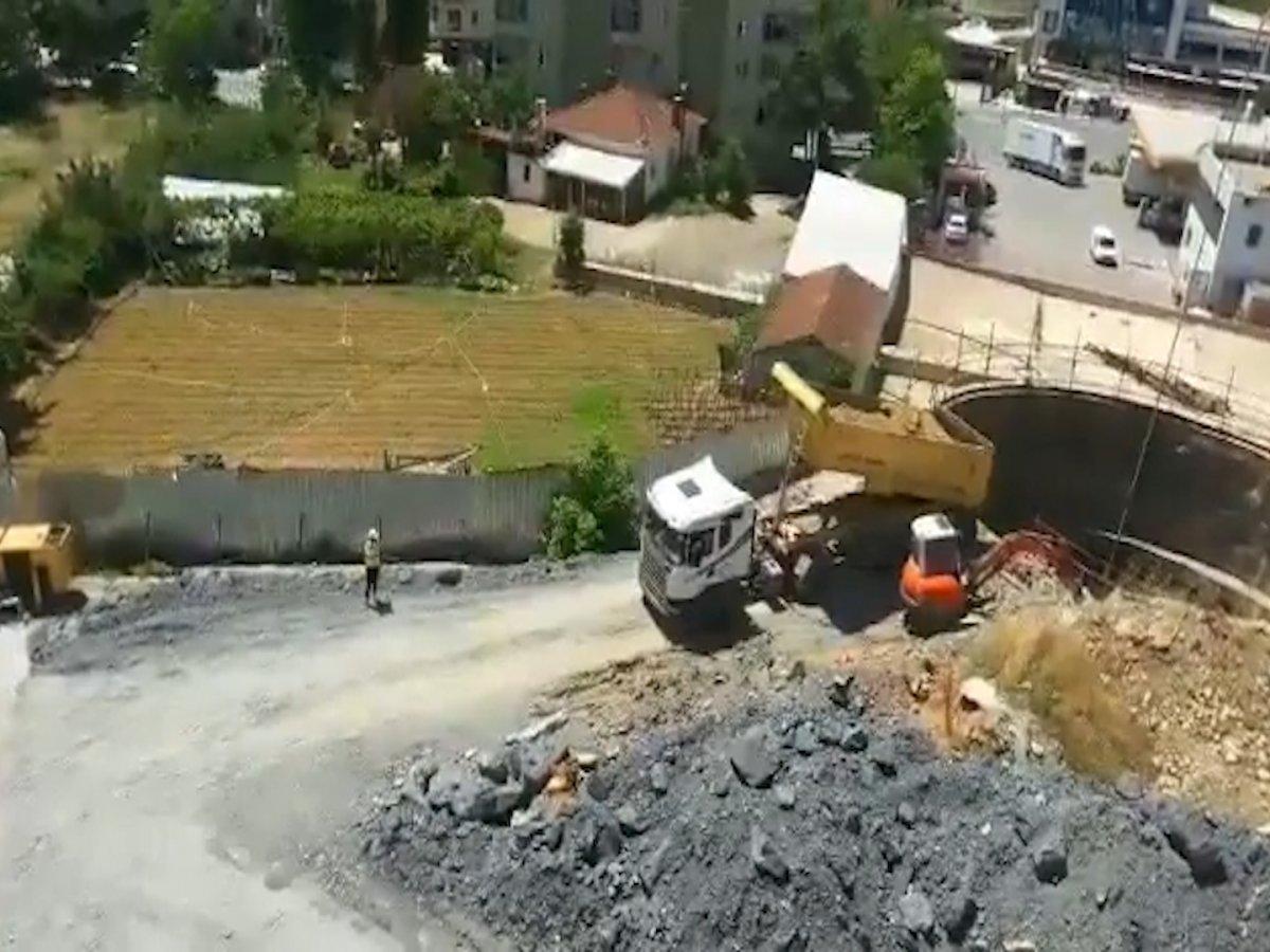 İBB, Yenidoğan Metro Hattı inşaatını hafriyatla kapatmayı sürdürüyor #3