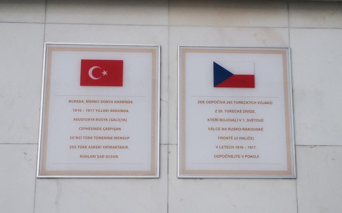 Galiçya daki Türk askerlerinin namaz kılarken çekilen fotoğrafları #10