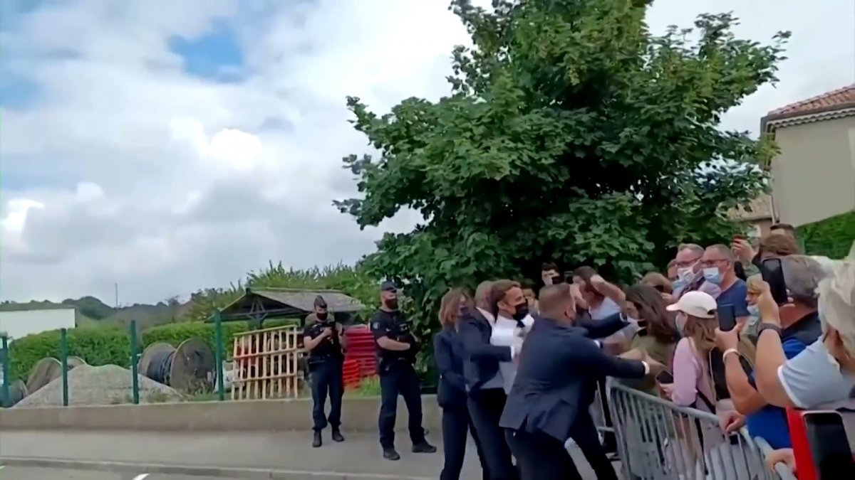 Emmanuel Macron a tokat atan kişiye 4 ay hapis cezası #2