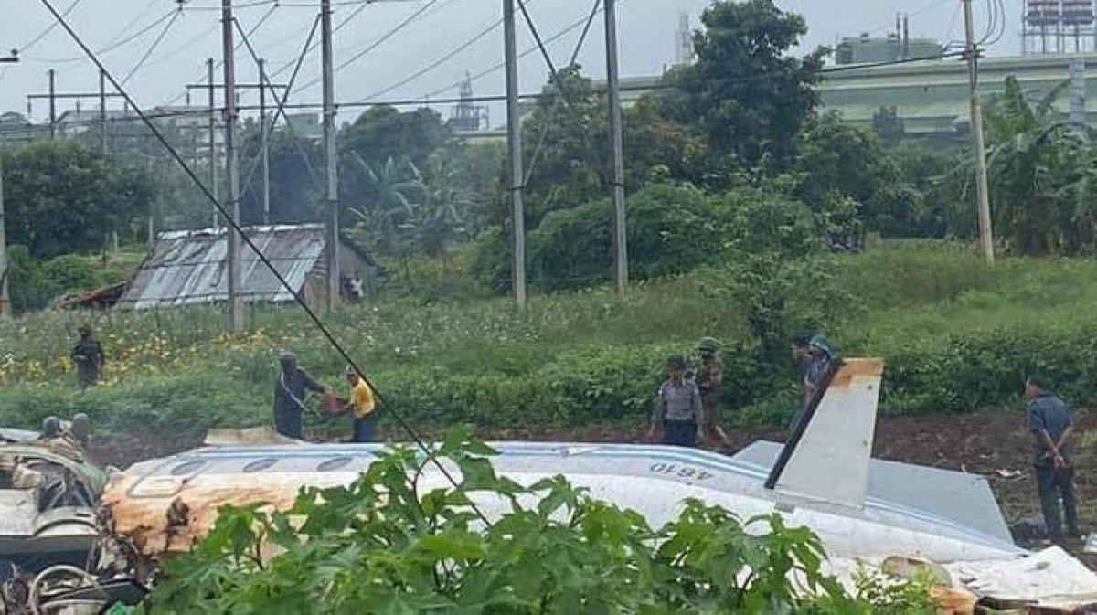 Myanmar da askeri uçak çelik fabrikasının üzerine düştü: 13 ölü, 16 yaralı #1