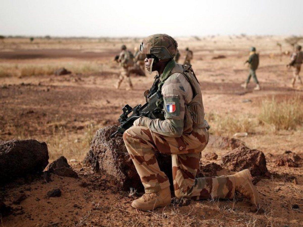 Fransa, Orta Afrika Cumhuriyeti'yle askeri iş birliğini askıya aldı #2