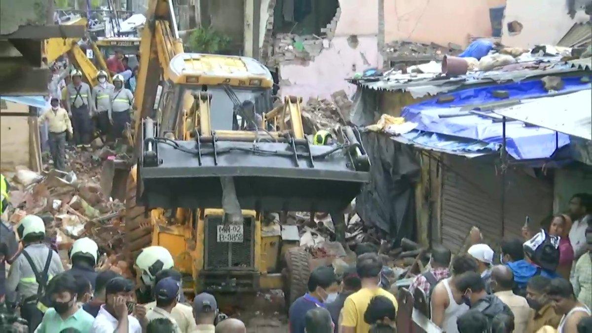 Hindistan da bina çöktü: 11 ölü #2