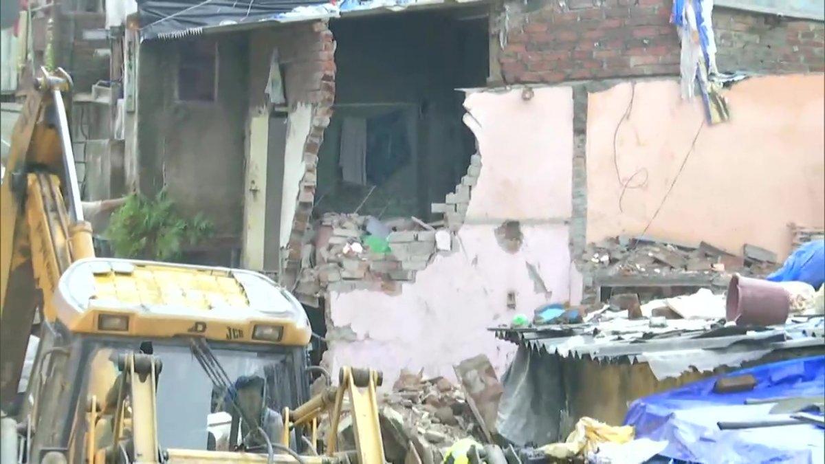 Hindistan da bina çöktü: 11 ölü #1