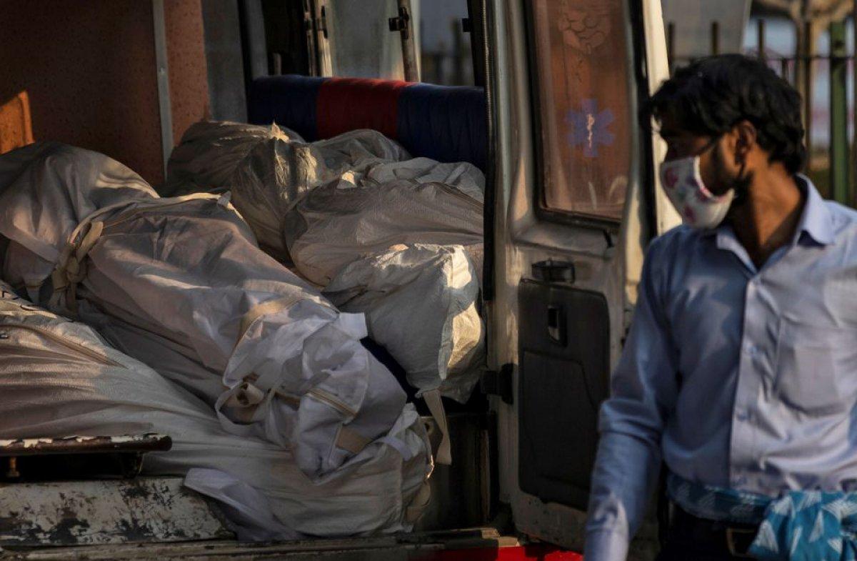 Hindistan da 6 bin 148 koronavirüs ölümüyle günlük rekor kırıldı #1