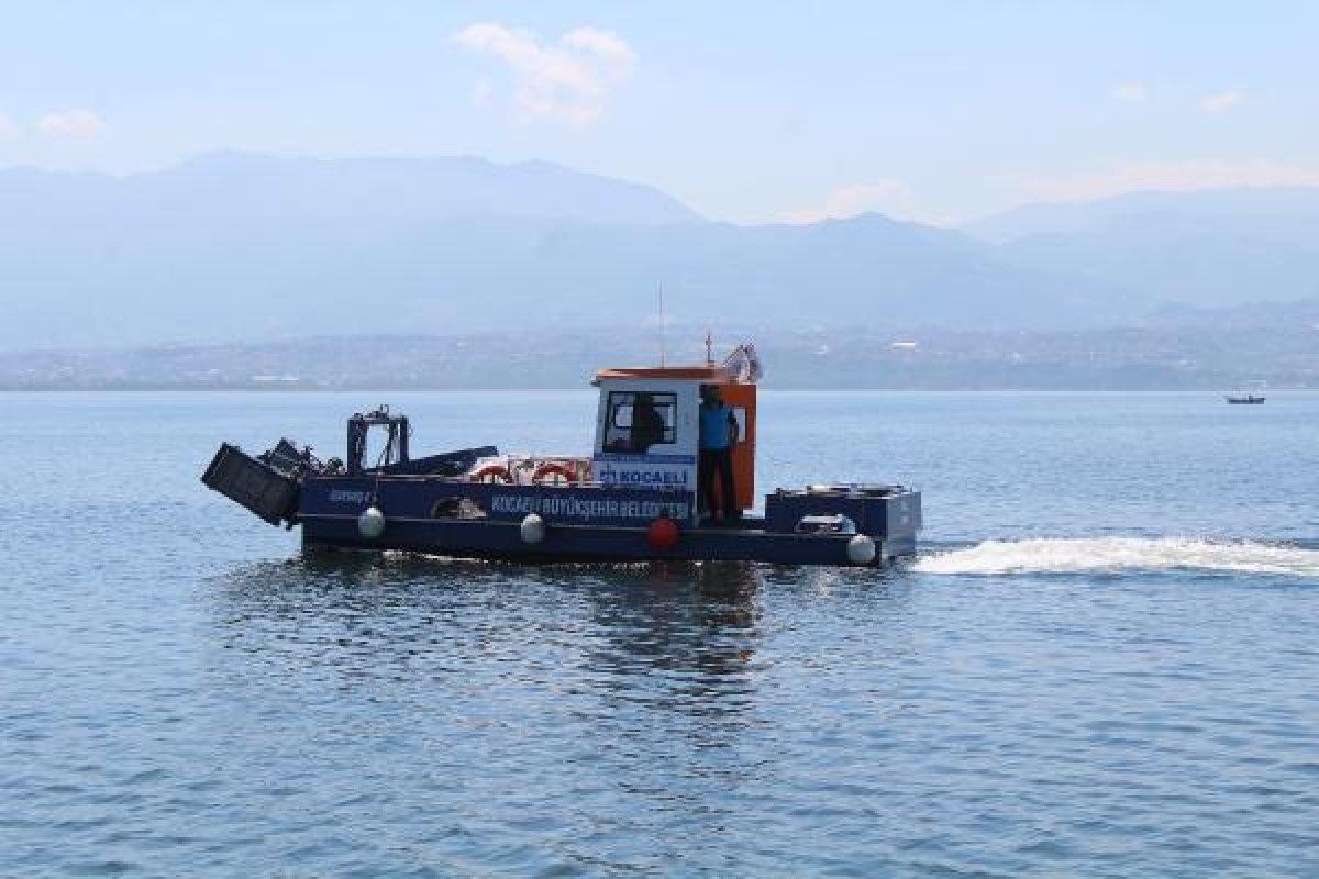 İzmit Körfezi nde müsilaj temizlendi, balıkçılar açıldı  #3