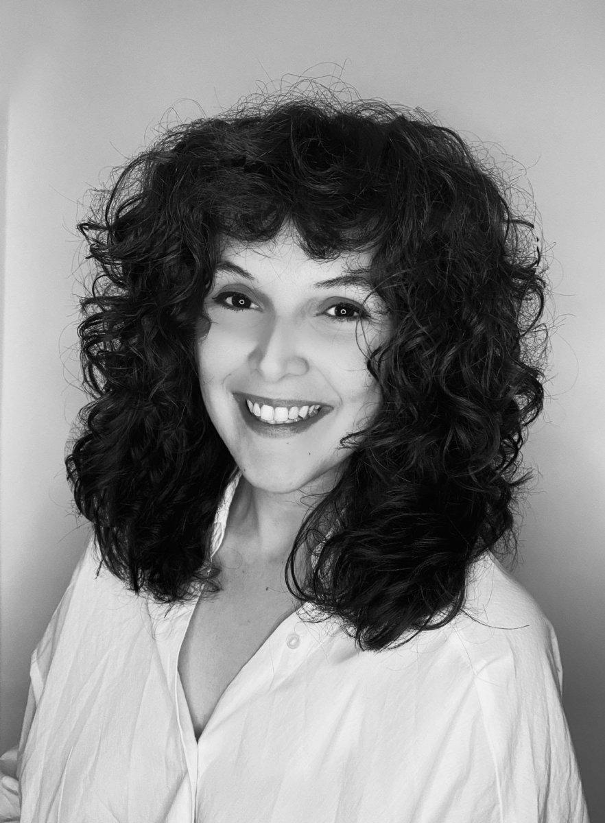 Fatma Nur Kaptanoğlu nun Ateşe Atlamak adlı öykü kitabı #2