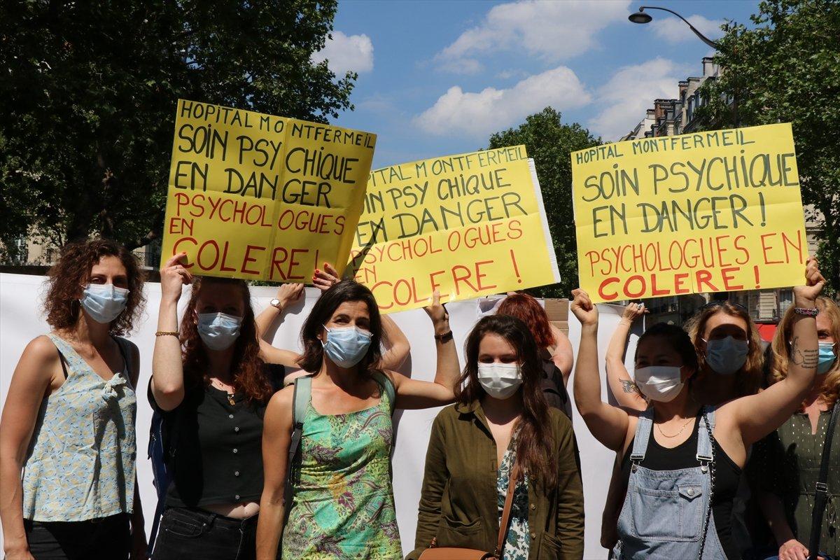 Fransa da psikologlar gösteri düzenledi #1