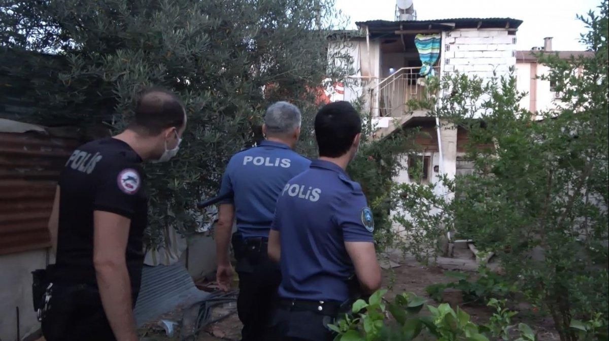 Antalya da yaşlı çifte dehşeti yaşattı #5