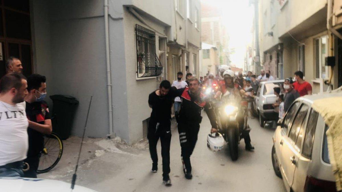 Bursa da polisin  dur  ihtarına uymayan sürücü, kovalamaca sonucu yakalandı #2