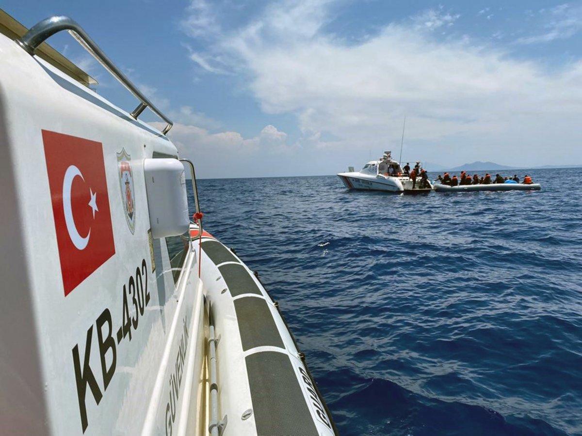 Muğla'da 107 düzensiz göçmen ve 4 göçmen kaçakçısı yakalandı #1