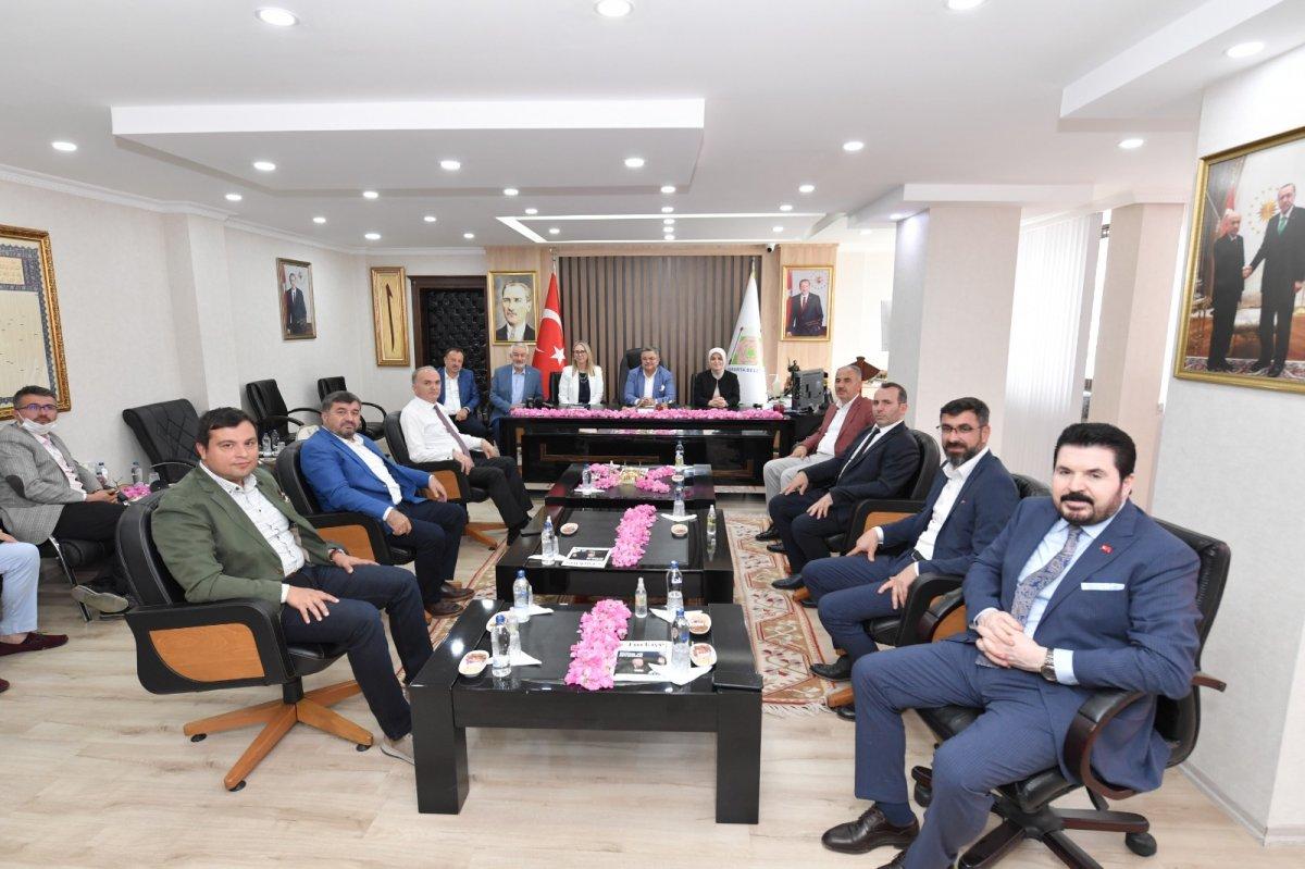 AK Parti belediyeleri Isparta ya çıkarma yaptı #3