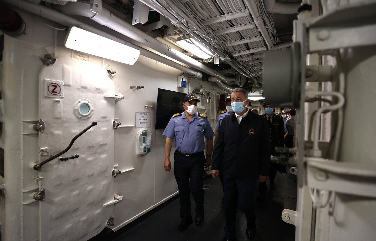 Hulusi Akar, Libya Görev Grup Komutanlığı nı ziyaret etti  #2