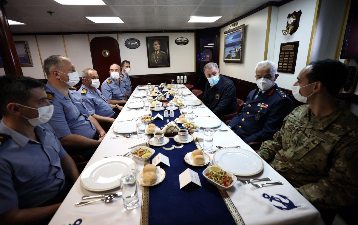 Hulusi Akar, Libya Görev Grup Komutanlığı nı ziyaret etti  #3