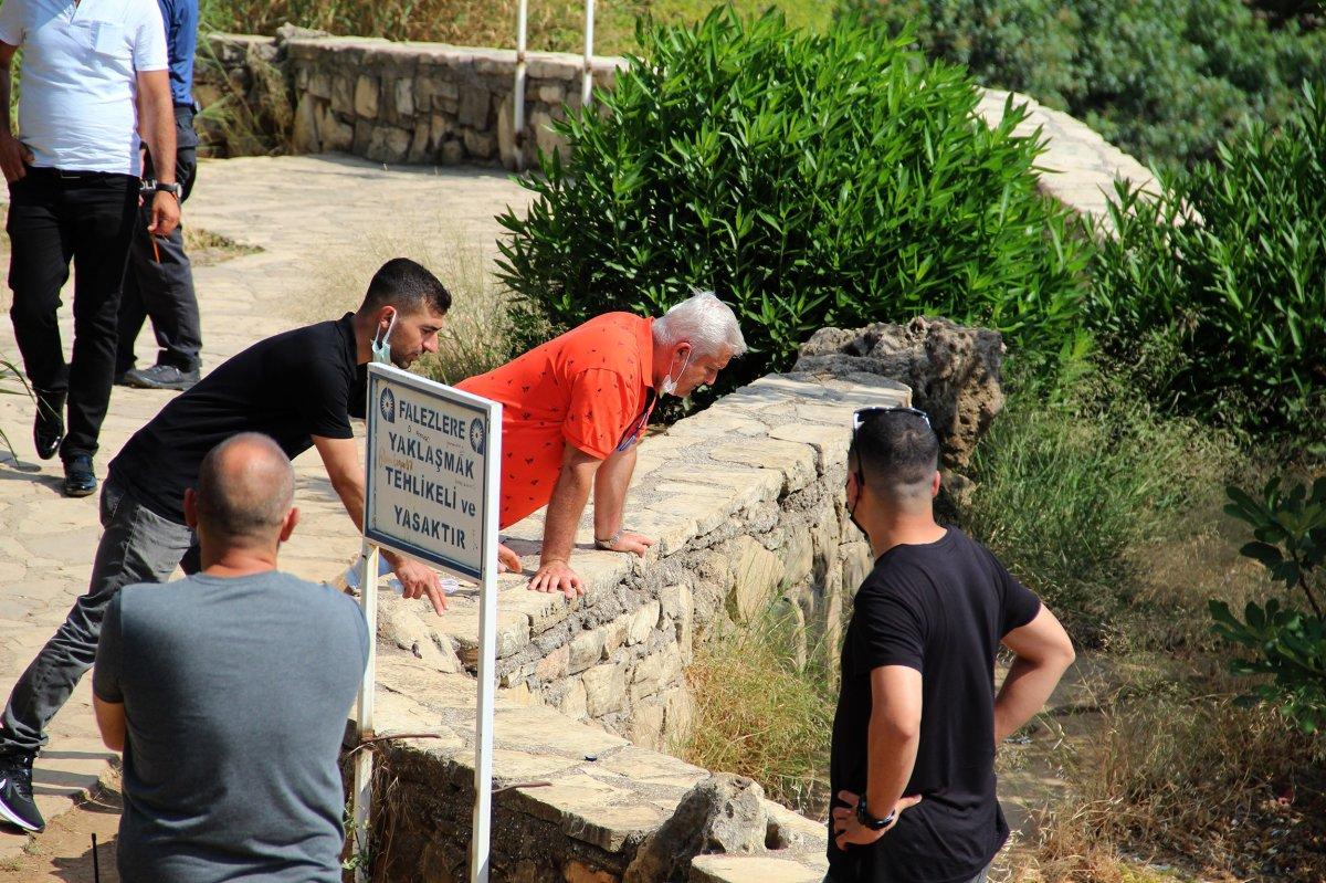 Antalya da itfaiye ceset çıkarma derdinde vatandaşlar ise izleme #1