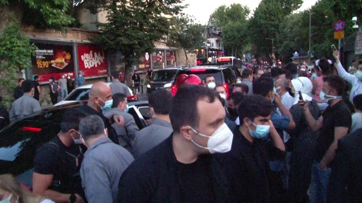 İstanbul da vatandaşlardan Cumhurbaşkanı Erdoğan'a sevgi gösterisi  #2