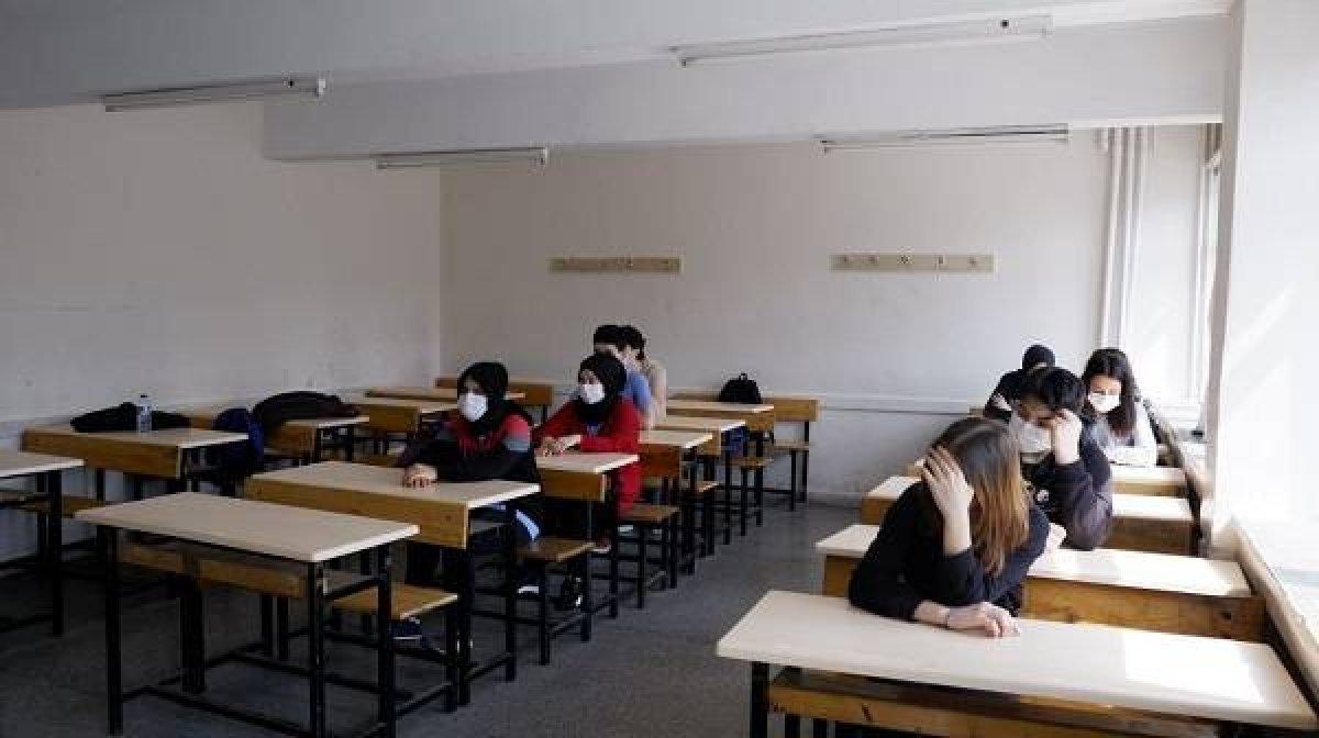 Lise öğrencilerine karne ve başarı belgeleri dijital ortamda verilecek #1