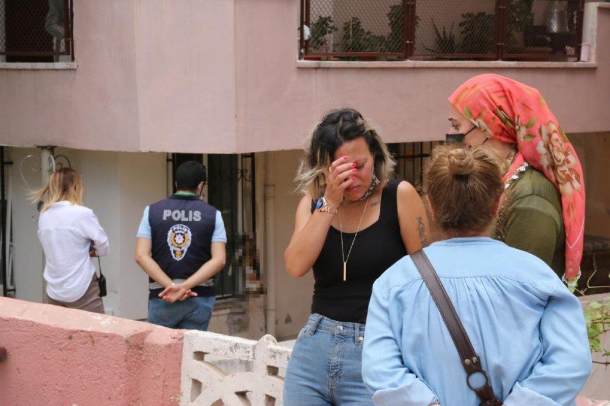 Antalya da hayvanseverin kapısına mermi asıldı #2