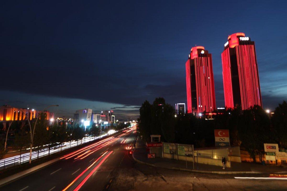 Türkiye'nin sembol yapıları, Kızılay için kırmızıyla aydınlatıldı  #5