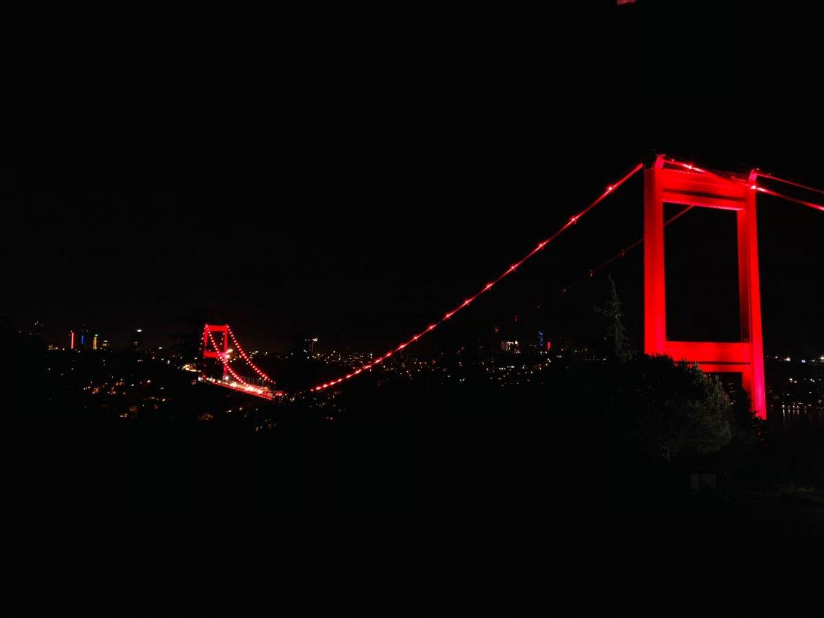 Türkiye'nin sembol yapıları, Kızılay için kırmızıyla aydınlatıldı  #2