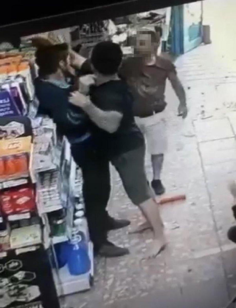 İzmir de kasiyer tartıştığı müşteriye ateş açtı  #6