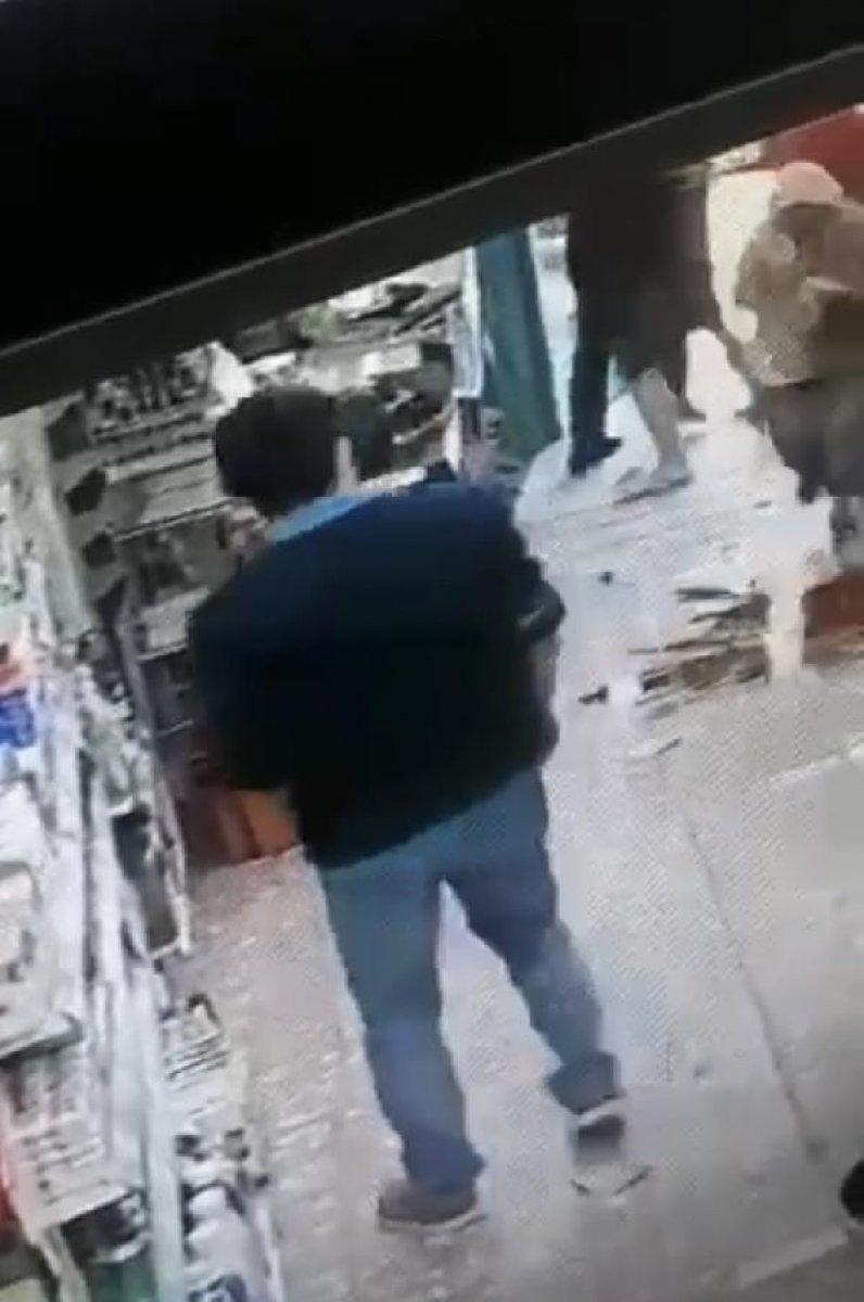 İzmir de kasiyer tartıştığı müşteriye ateş açtı  #1
