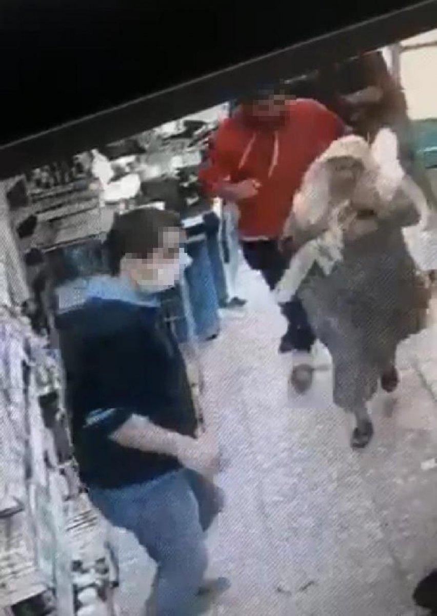 İzmir de kasiyer tartıştığı müşteriye ateş açtı  #2