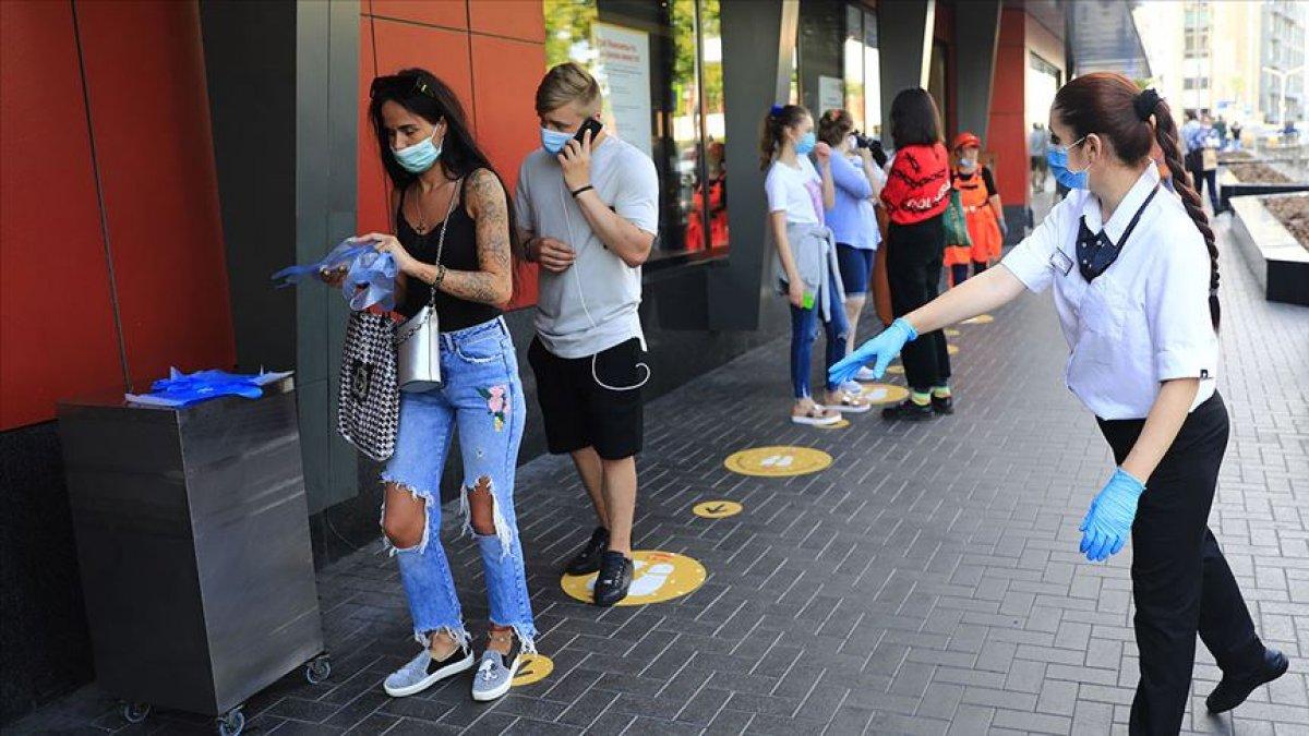 Rusya'da koronavirüs vakaları artması ile tatil ilan edildi  #3