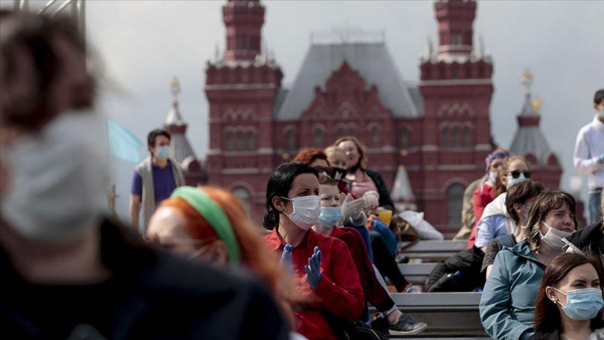 Rusya'da koronavirüs vakaları artması ile tatil ilan edildi  #1