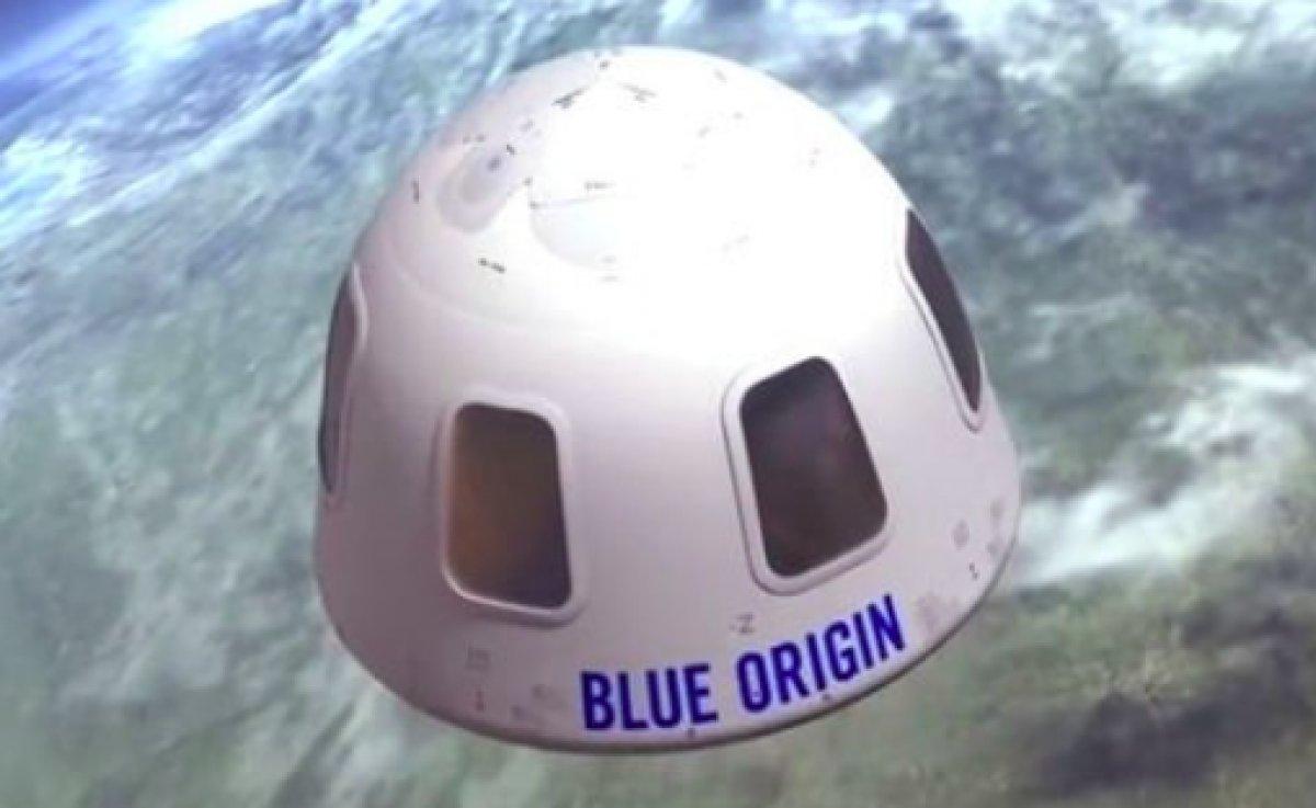 Uzay yolculuğunda Jeff Bezos un yanındaki koltuk 28 milyon dolara satıldı #1