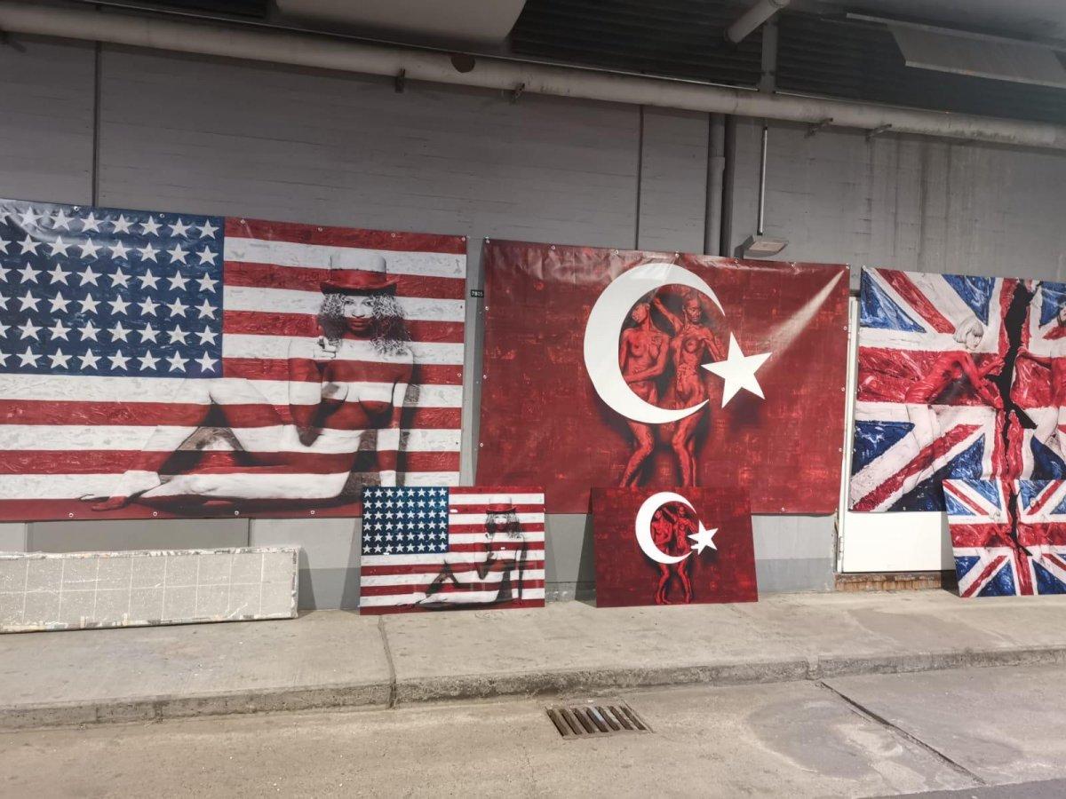 Almanya da Türk bayrağı üzerine çizim yapıldı #1