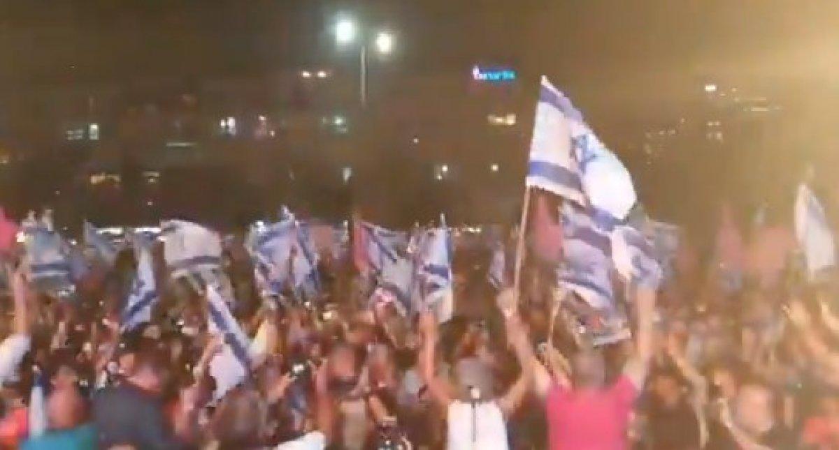 İsrailliler Netanyahu döneminin kapanışını kutladı #5