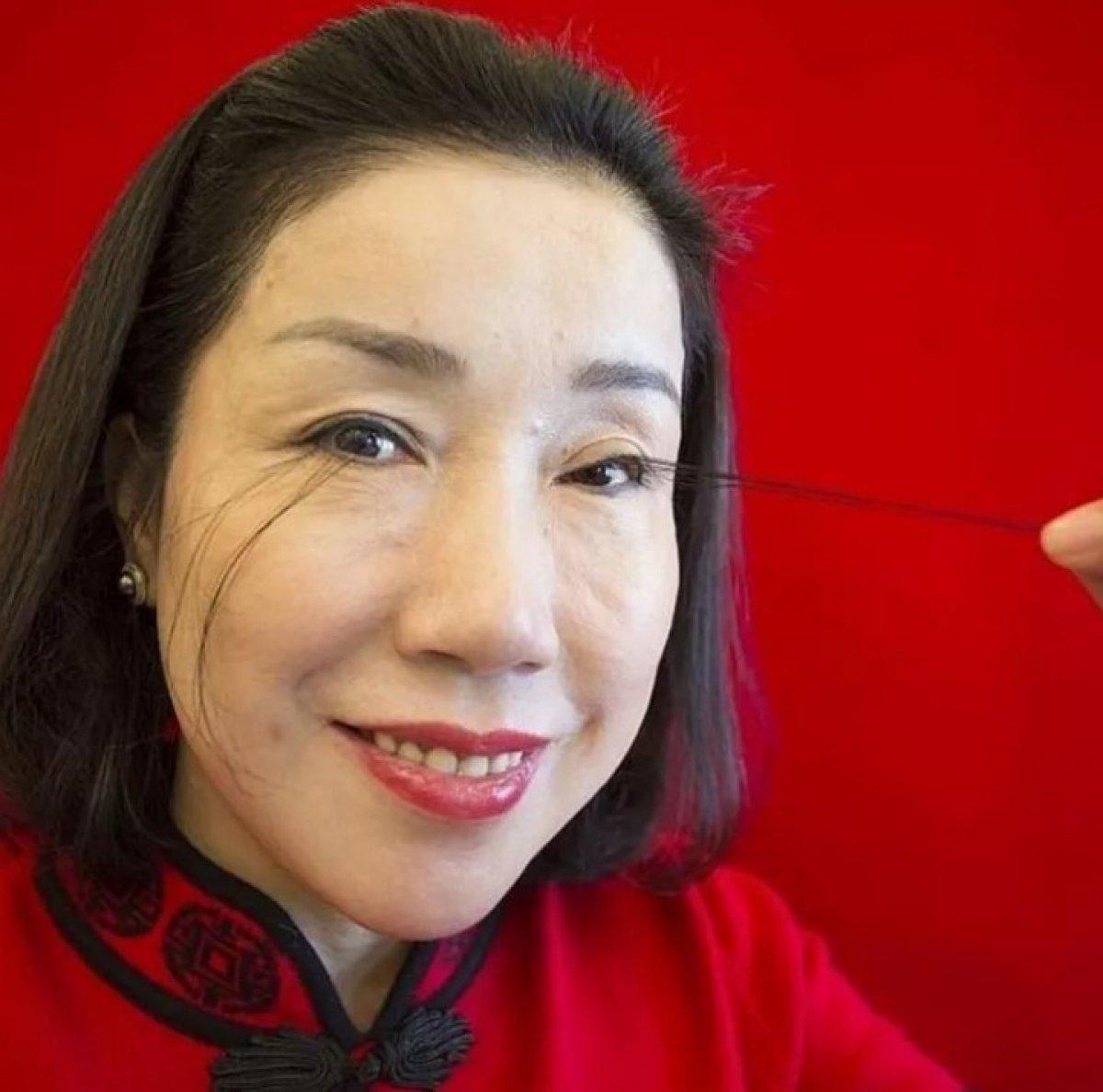 Çinli kadın kirpikleriyle ikinci kez dünya rekoru kırdı #4